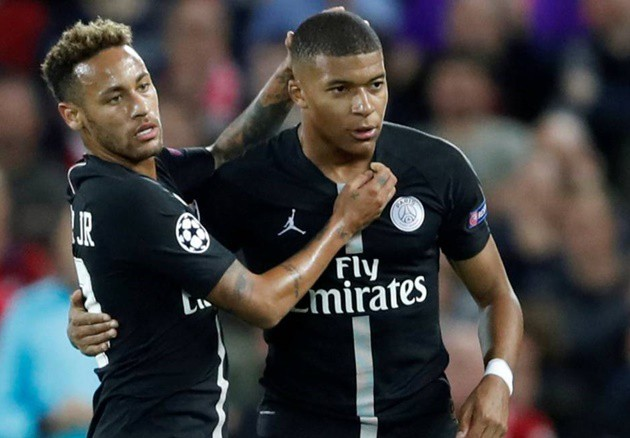 """""""The saves against Neymar and Mbappe in the first half certainly were special,"""" Neuer said - Bóng Đá"""
