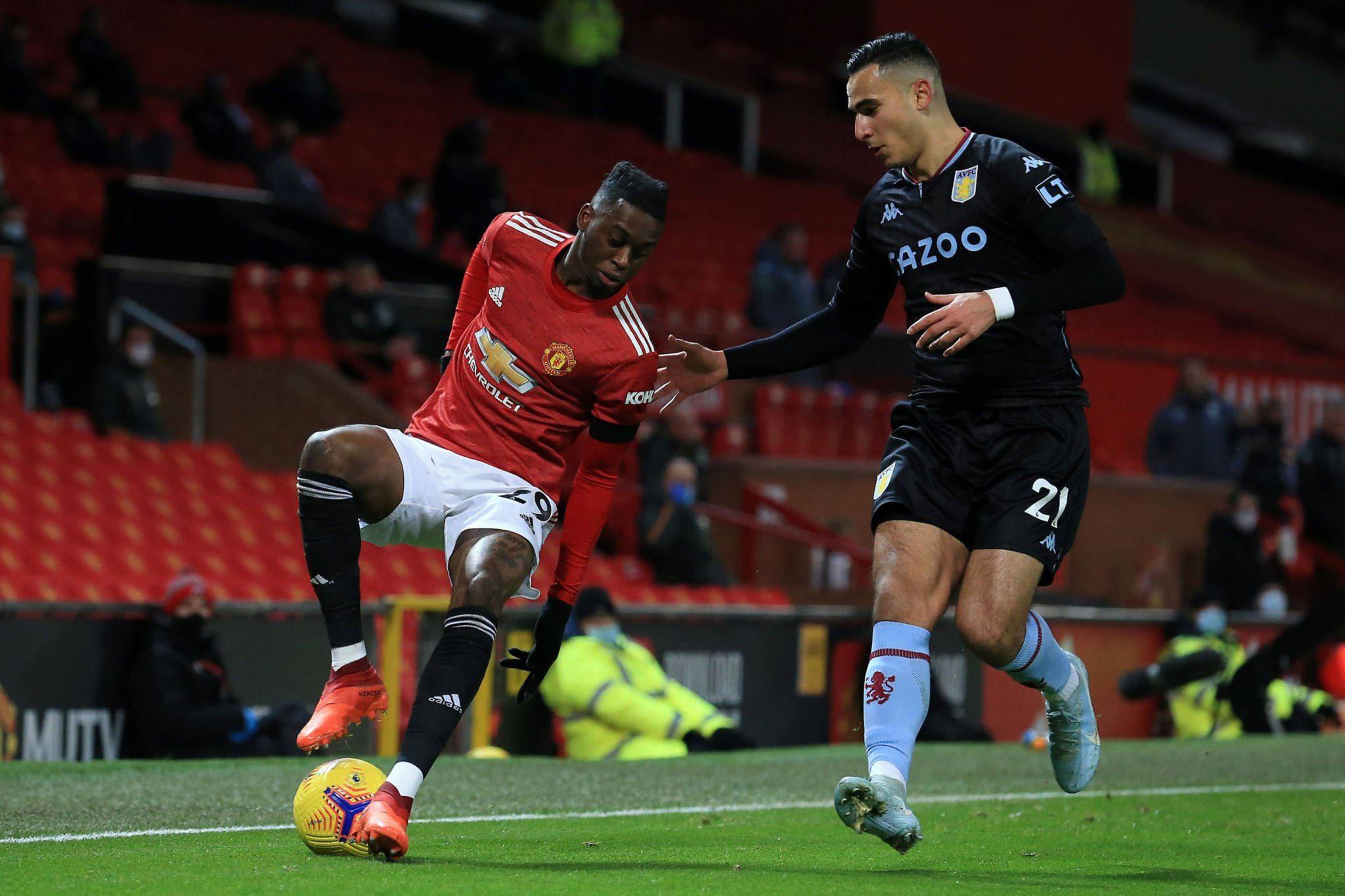 Eric Bailly and Wan-Bissaka game by numbers vs. Aston Villa: - Bóng Đá
