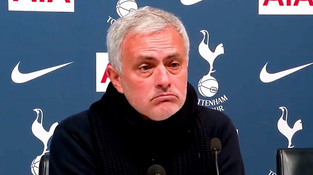 Jose Mourinho's awkward answer to Erik Lamela question and Harry Winks reveals 'difficult' times - Bóng Đá